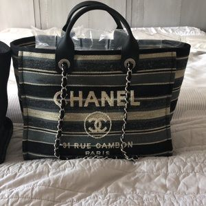Chanel striped Deauville bag. Large